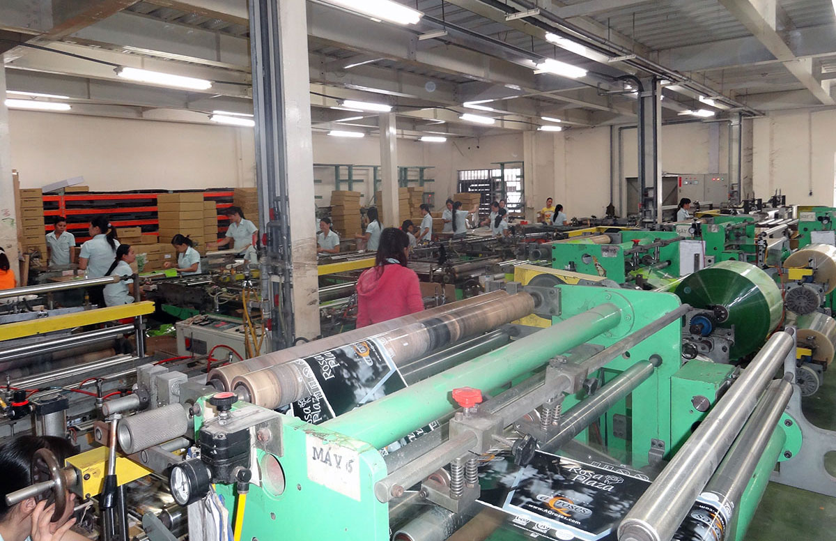 Sight of flower sleeves production line